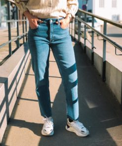 Luna Straight Crop Jeans - Mid Blue