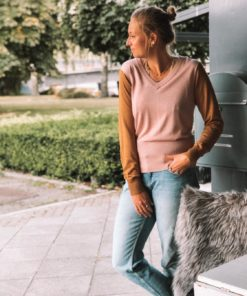 Lightweight Knit with Fitted Waist Pink
