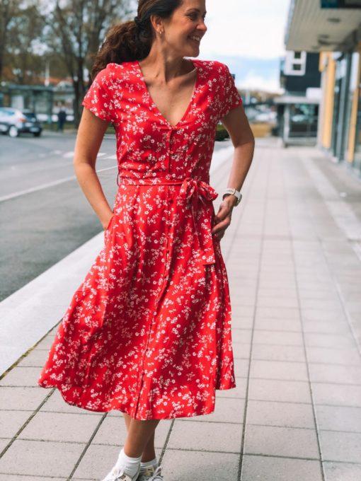 Haiku Dress Cardinal Bouquet