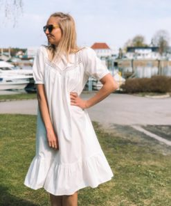 Linnea Dress Off White